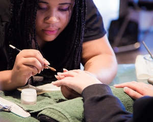 nail-tech-image