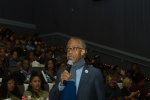 rev-sharpton-welcomes-guests-2