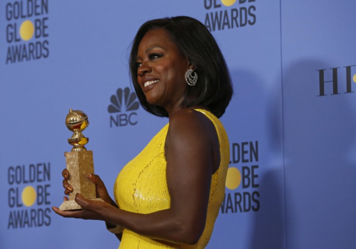 la-et-hc-viola-davis-at-the-golden-globes-20170108