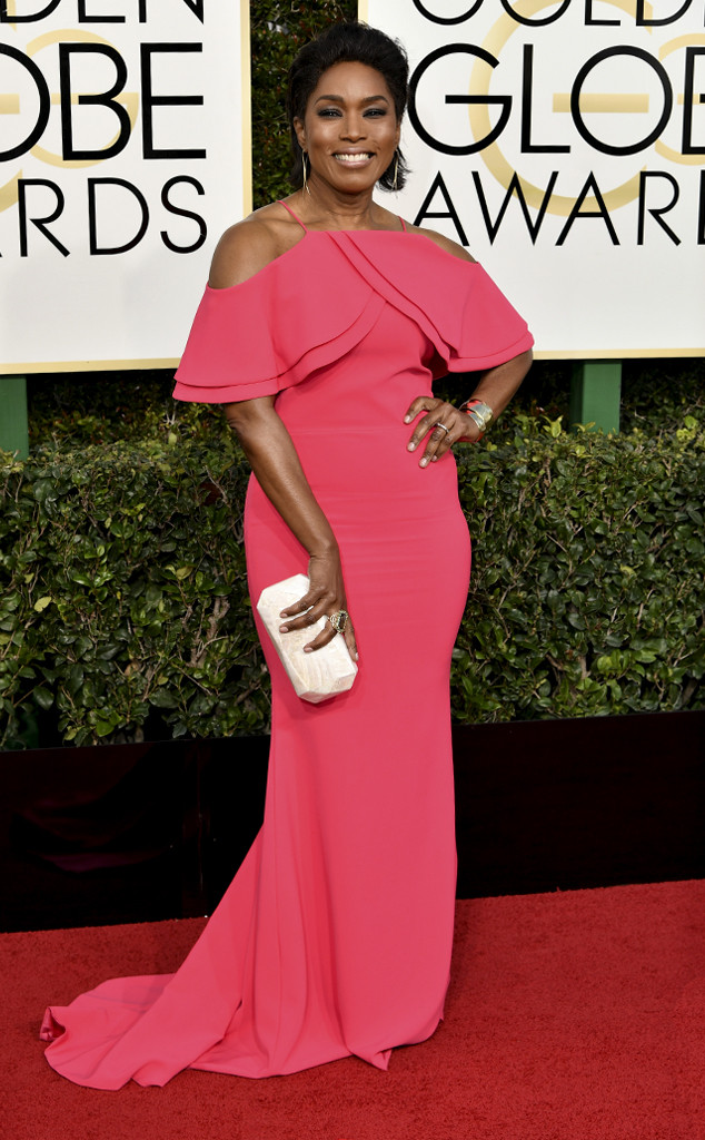 rs_634x1024-170108151420-634-2017-golden-globe-awards-angela-bassett